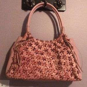 Just In!🆕🌸SONDRA ROBERTS Floral Laser Cut Purse